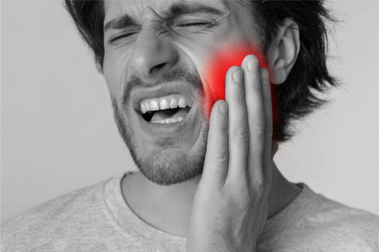 Your pain can be a tooth infection spread to brain symptoms. An infection can spread to the brain as well.